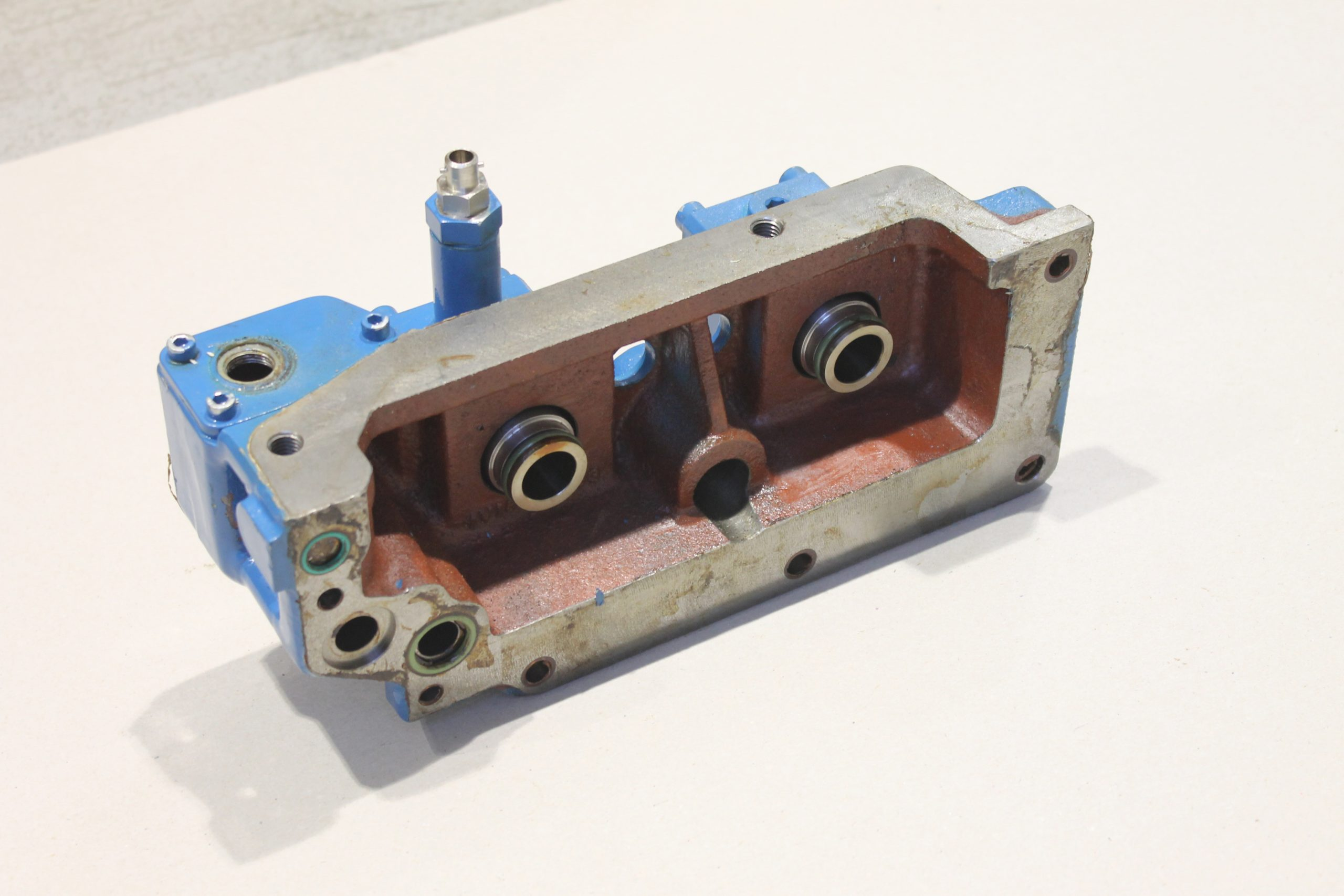 End cover, lower part