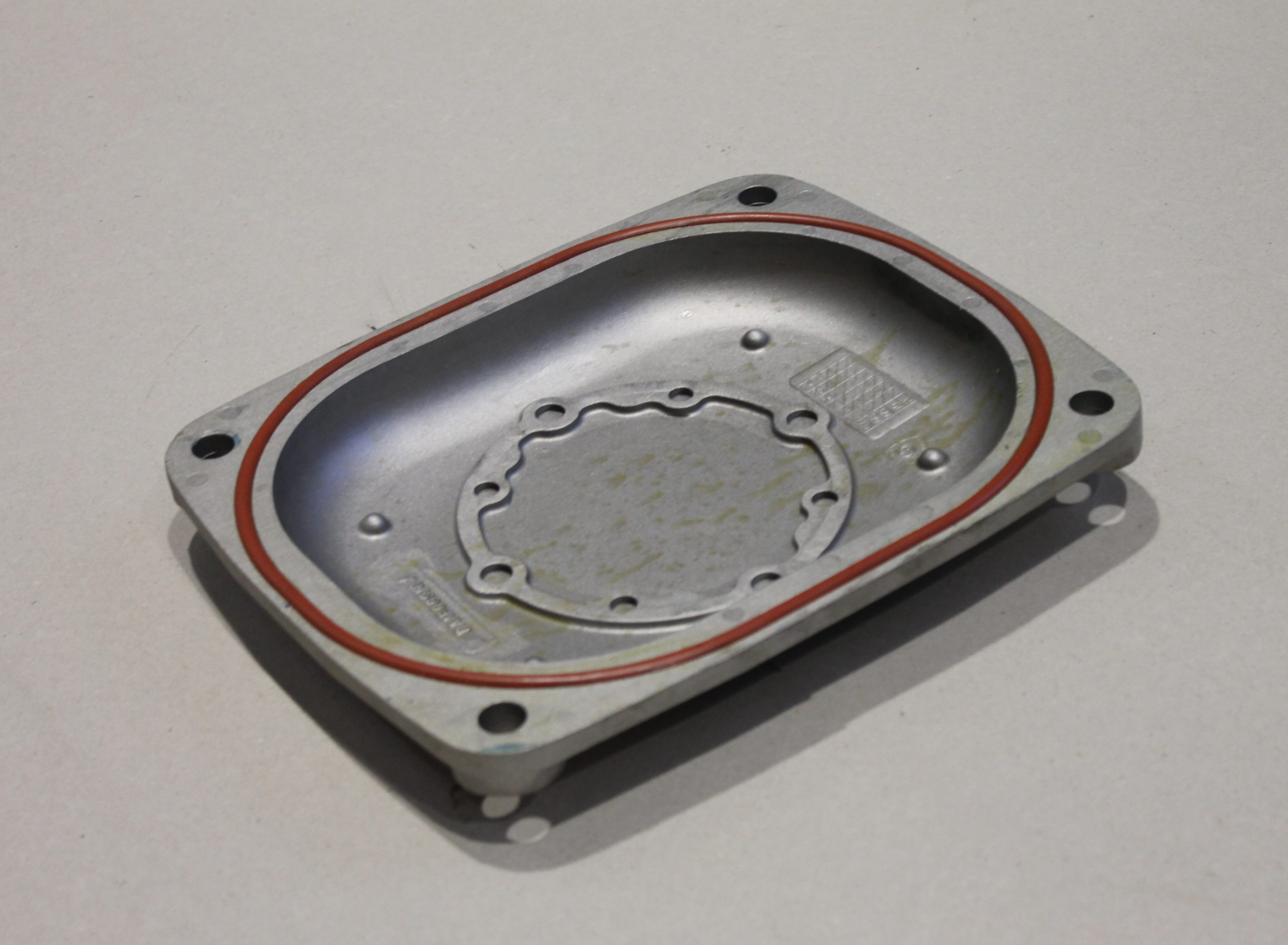 Crankcase/camshaft cover